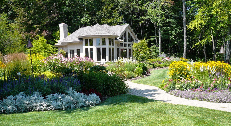 Backyard Landscape Planting in Northeast Wisconsin