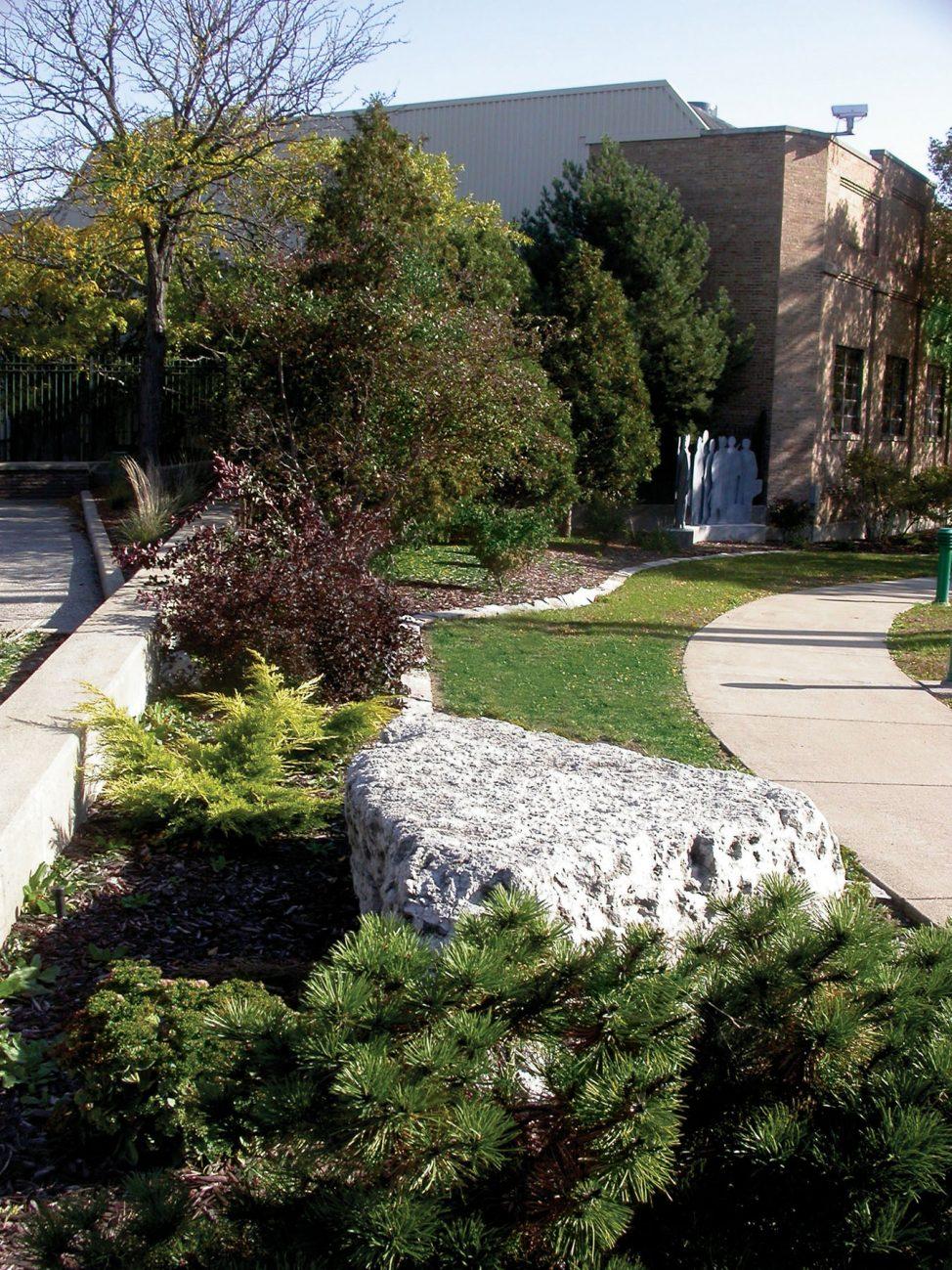 Landscape Planting Design in De Pere