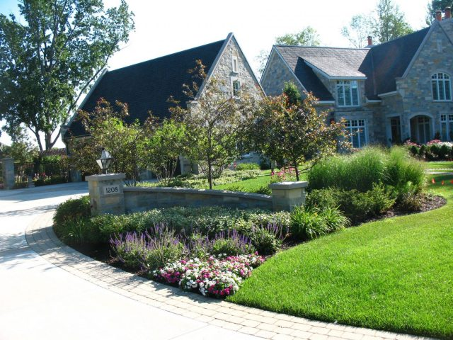 Front Yard Landscape Planting Design in Green Bay
