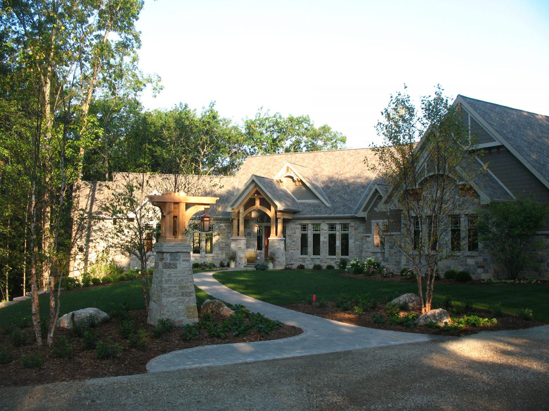 Front Yard Landscape Planting Design in Appleton