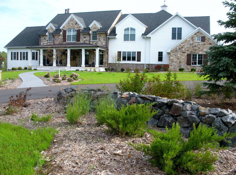 Front Yard Landscape Planting Design in Green Bay