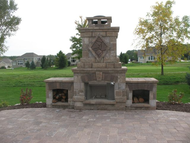 Outdoor Fireplace in Green Bay