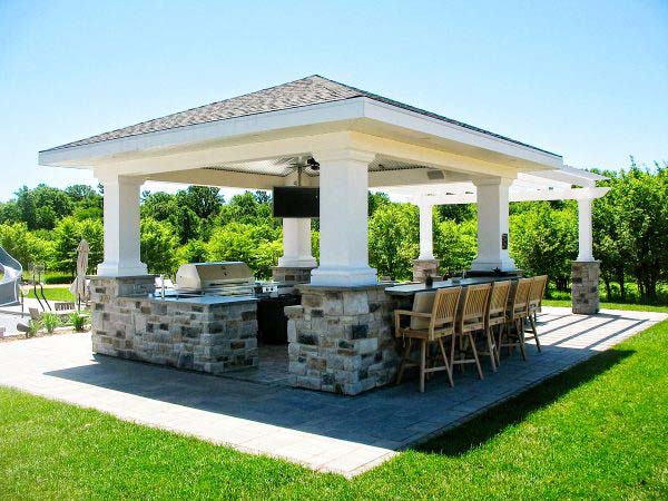 Outdoor kitchen installed in Northeastern Wisconsin